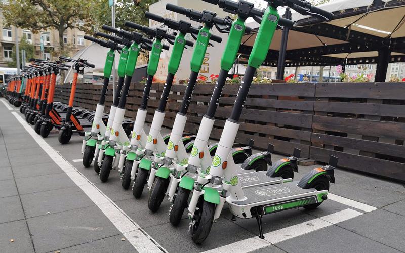 Am 01. Juni 2021 startet in Wolfsburg ein dritter Verleihanbieter von E-Scootern. Damit stehen dann 1.500 E-Scoote zum Verleih bereit.